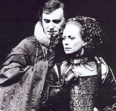 Barrie Ingham as Duke Vincentio...